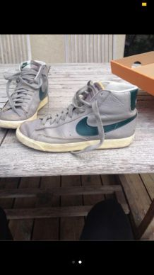 Chaussures Nike sneakers gris et bleu