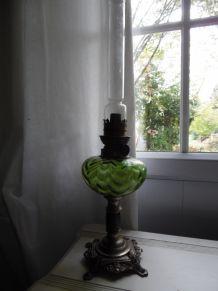 lampe à petrole verte