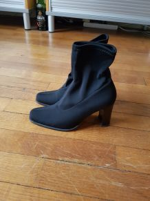 Boots italiennes en tissu noir extensible