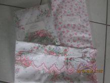 Ensemble lit 1 personne (drap, housse, taie) fleuri rose