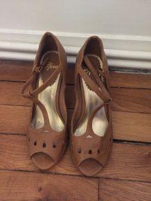Chaussures à talons couleur Camel t. 39
