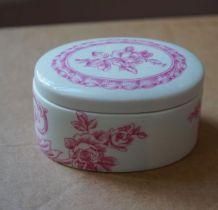 jolie petite bonbonnière à motif fleural, porcelaine de Paris