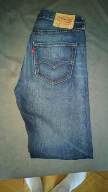 jeans levis taille 33/32