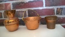 Ensemble petits vases en cuivre