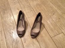 Peeptoes cuir nude Massimo Dutti