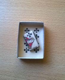 Carnet/livre miniature dans sa boite pour poupée ancienne, thème jeu de cartes