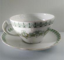 Tasse à thé en porcelaine, avec sous tasse