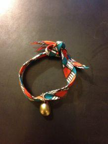 Bracelet ethnique et cauris doré