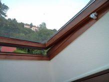 Sécurité Spéciale pour Fenêtre de toit type VELUX / et Autres - Sécurité Enfants - Couleur Gris