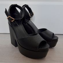 Chaussures plateformes noires NewLook T39 neuves