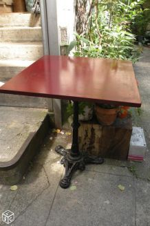 Table bistro pied fonte 3 branches