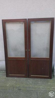 Deux porte de vitrine style Louis XVI