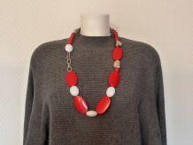 Grand Collier En Plastique À Grosses Perles Rouges Blanches, Et Maillons Argentés- Neuf