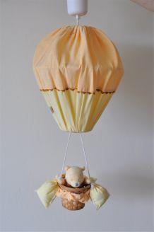Suspension montgolfière jaune/orangée Winnie l'Ourson