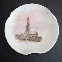 assiette de collection en porcelaine