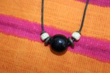 Collier pierre style orientale perle efet cuir