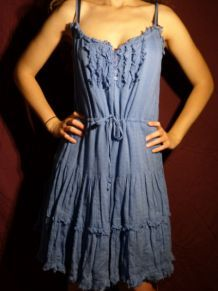 Robe bleue-grise