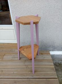 Sellette tripode en bois, relookée en rose pastel, porte plantes, console, chevet