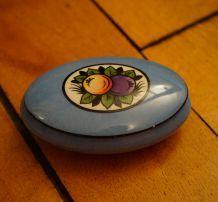 Bonbonnière en porcelaine de Limoges,  période Art déco.