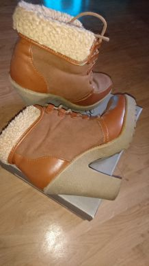 BOTTINES CAMEL & FOURRURE MINI TALON