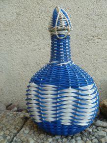 bouteille en verre scoubidou , vintage