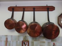 Série de 4 casseroles anciennes en cuivre