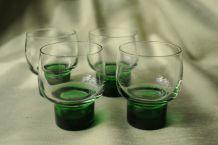 Quatuor de verres à pieds sixties