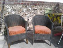 Deux fauteuils Lloyd Loom