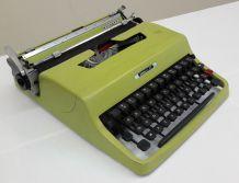 Rare Machine à écrire Vintage Olivetti Lettera 32 vert olive 1964