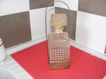bouteille de wisky avec support vintage