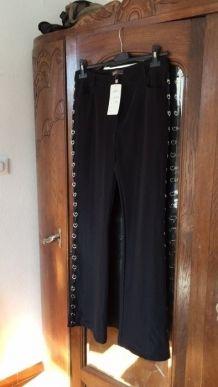 pantalon T42 noir avec anneau