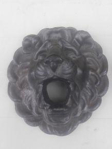 magnifique tete de lion en fonte