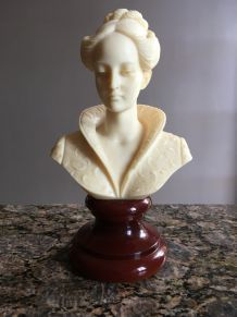 buste femme pierre blanche