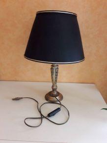 lampe au pied en laiton
