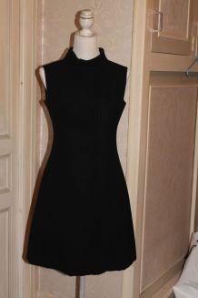 Robe noir crêpe de tergal