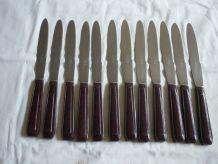 12 grands couteaux manches bakelite marron
