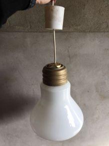 lustreen forme d'ampoule XXL en verre