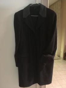 Manteau Zara noir à rayures grises et col Teddy