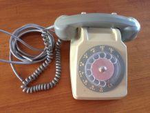 Téléphone à cadran gris