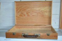Valise en bois