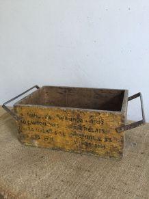 Ancienne caisse à cartouches