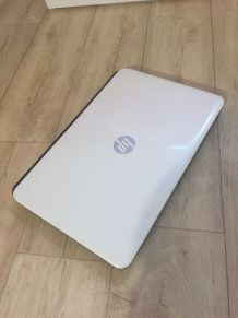 Ordinateur portable HP - Intel Core I3-4005U (1,7ghz)