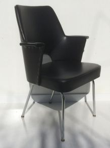 Elegant fauteuil annee 1950