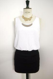 Robe bicolore blanc noir plaque dorée bretelle