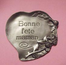 "Etain ""bonne fête maman"""