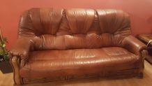2 canapés + 1 fauteuil + 1 pouf