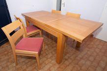 Table salle a manger et ses 4 chaises