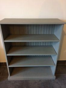 Bibliothèque en bois grise