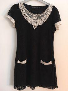 Jolie robe noire&blanche en dentelle