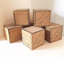 Ensemble de six boites à thé ÉLéphant vintage